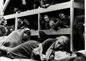 mestruazioni-olocausto-1
